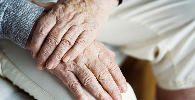 tips voor het vinden van zorgverzekering voor ouderen